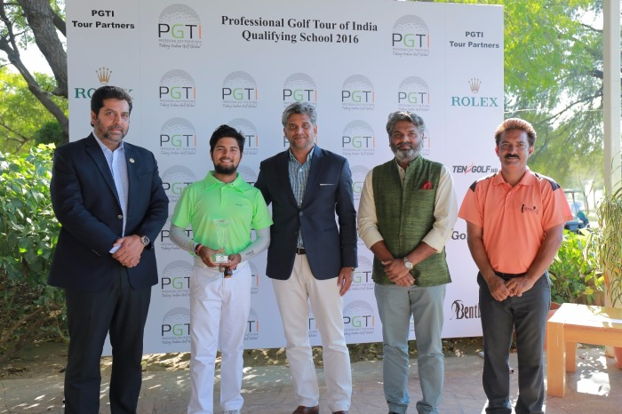 Prize_Presentation_Picture_-_PGTI_Q_School_2016