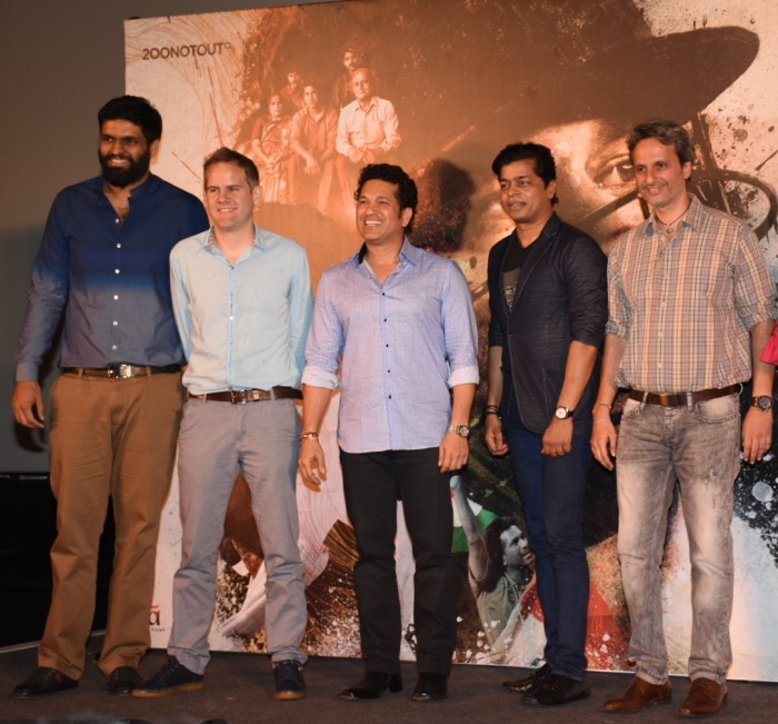 Sachin_Tendulkar_with_Producer_Ravi_Bhagchandka_and_Director_James_Erskine__Shrikan_Bhasi_-_Carnival_373036