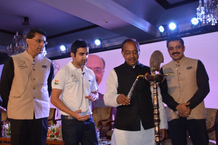 Lighting_the_lamp_at_FITINDIA_Conclave_Mr._Vijay_Goel__Union_Minister__Ministry_of_Youth_Affairs_and_627444