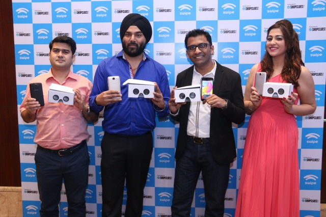 L-R_Mr_Nitin_Kochhar_Senior_VP_Categories__Shopclues__Mr_Sarabjeet_Singh__Country_Head_-_SwiftKey_wi_1055711