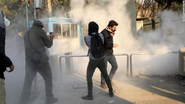 171230172246-04-iranian-student-protests-exlarge-169.jpg